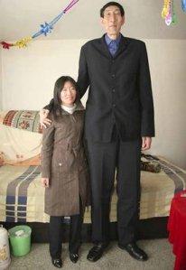 worlds_tallest_man_bao_xishun_1b